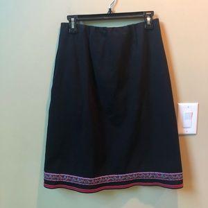 Hannah Anderson blk skirt